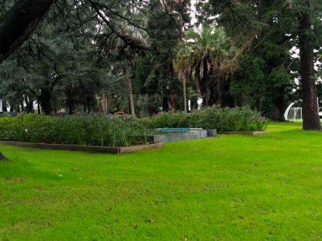 En Predio Cerrado, Vigilancia 24hs, Parque