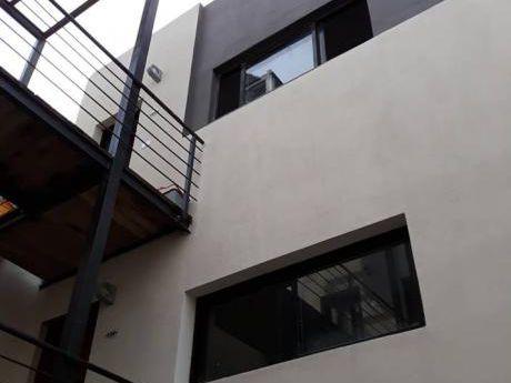 Precioso Duplex Con Parrillero Con Renta