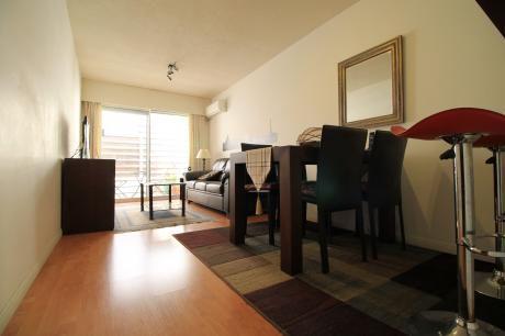 Apartamento Totalmente Amoblado, Calefacción, A/a, Garaje Fijo.