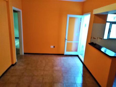 Imperdible!! Todo A Nuevo, 3 Dormitorios. Patio Propio.