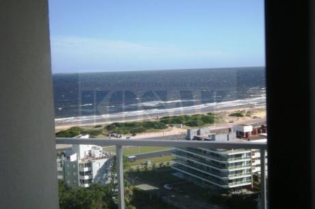 Kosak Punta Del Este Brava A Pasos Mar, Apart Piso Alto 2dorm/2bñs Gje Amenitie