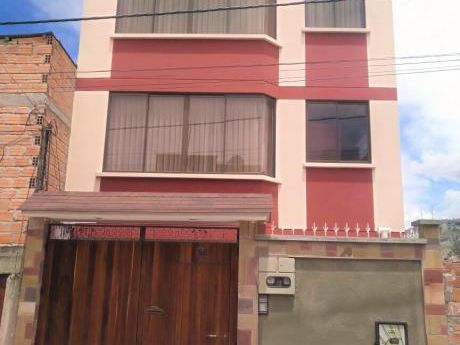 Amplia Casa En Alquiler - Bella Vista, Barrio Municipal
