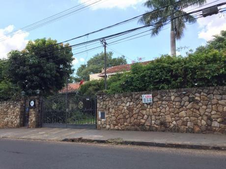 Alquilo Amplia Residencia En Barrio Mcal. Estigarribia