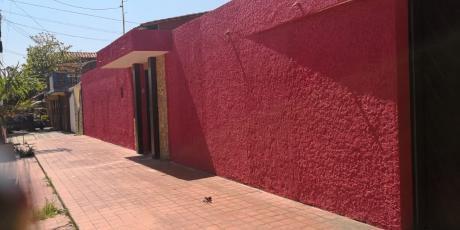 Inmobiliaria Ofrece: En Anticrético Casa Independiente Zona Este Av. Paragua 2do