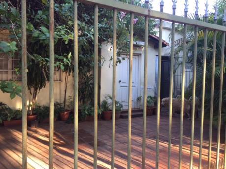 Venta De Casa De 2 Dormitorios, En Barrio Herrera