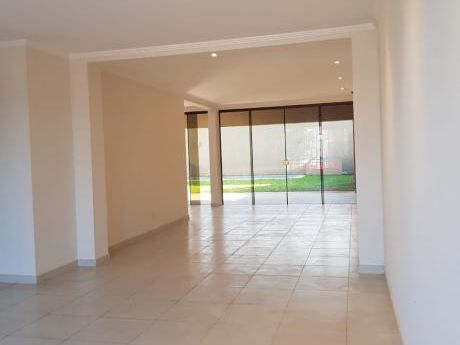 Vendo Casa A Estrenar En Mburucuya / Manora / Carmelitas