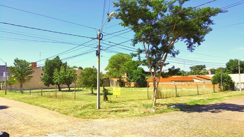 Terrreno Barrio Los Laureles, Asuncion
