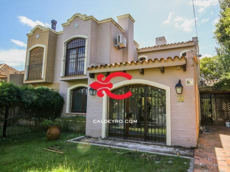 Casa Con Renta En Carrasco. Ref: 5837