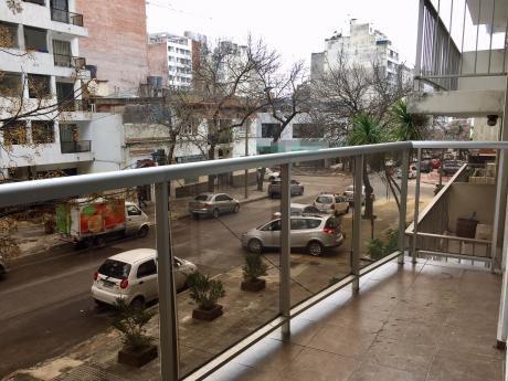 Amplio Patio + Terraza Al Frente, Portería 24hs, A 200m. Rambla