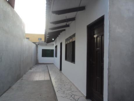 Casa Independiente De 2 Dormitorios Sin Garaje.