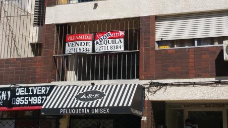 Avenida 8 De Octubre Y Bvar Artigas Zona Tres Cruces .