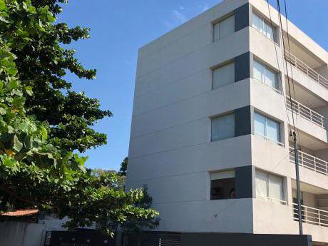 Alquilo Dpto De 1 Dormitorio Amoblado- Barrio Jara