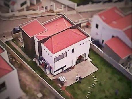 Preciosa Casa En Venta En Irpavi, Urbanización Privada Los álamos