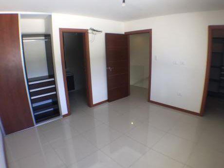 Casaen Venta En Condominio Privado Las Palmas Del Oeste