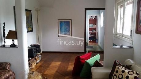 Muy Linda Casa De Altos Art Decó