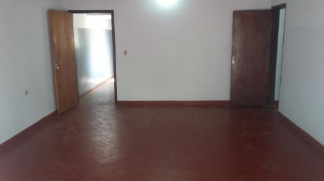 Departamento De 2 Dormitorios Sobre Artigas Zona Santísima Trinidad