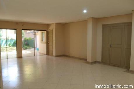 Confortable Casa En Mcal. Estigarribia