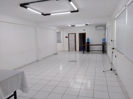 Locales/oficinas Av. Banzer
