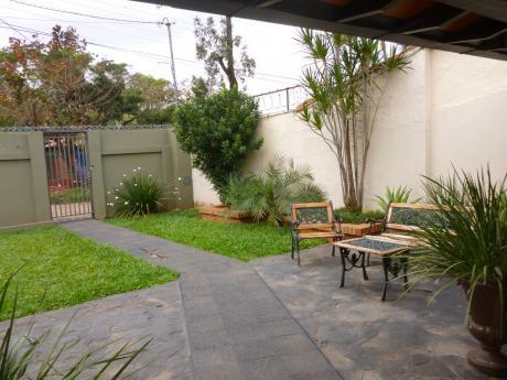Casa En Venta En Fernando De La Mora - Zona Sur - Pitiantuta