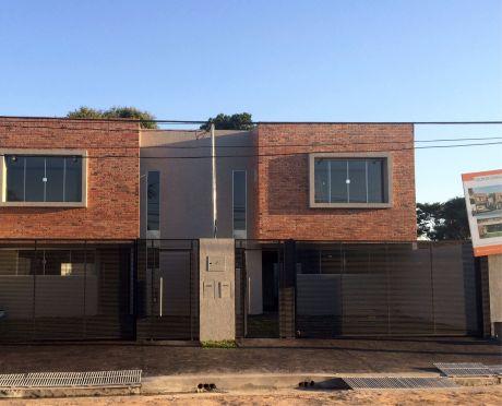 Duplex En Villa Adela, Luque