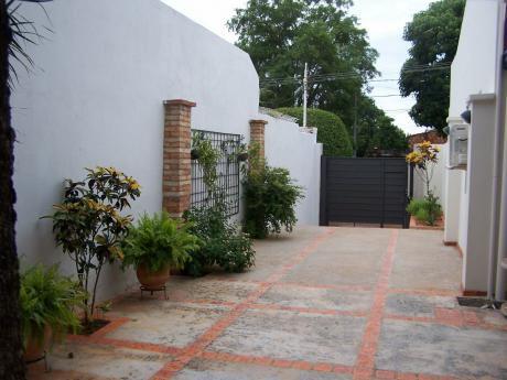 Vendo Casa Impecable  /bº Palomar - Lambare