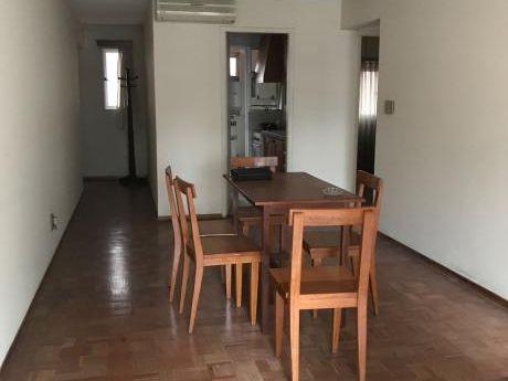 Excelente Apartamento Sobre 18 De Julio