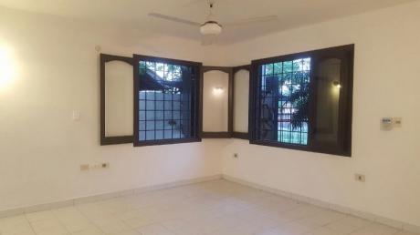 Duplex En Barrio Ycua Sati