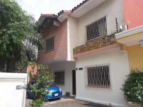 Zona Parque Urbano Vendo Casa