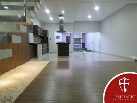 Av. Beni 8vo Anillo - Casa A Estrenar - Venta: $us 133.000