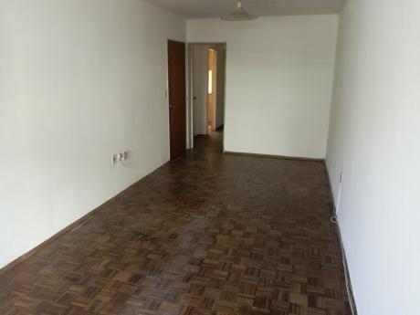 Apartamento De 2 Dormitorios En Calle Pimienta.