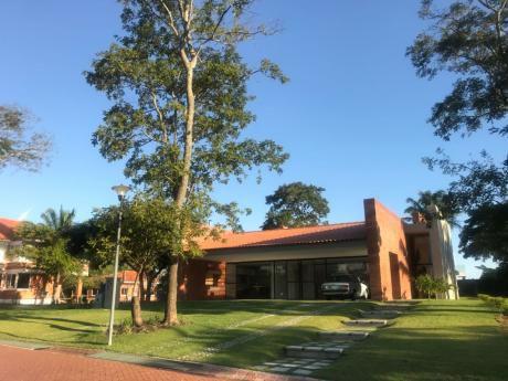 Casa En Venta - Cond. Floresta Del Urubo