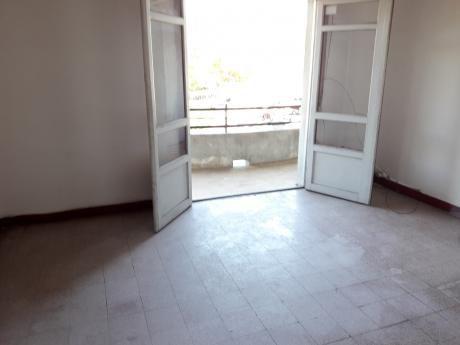 Apartamento Al Frente  2 Dormitorios Balcones