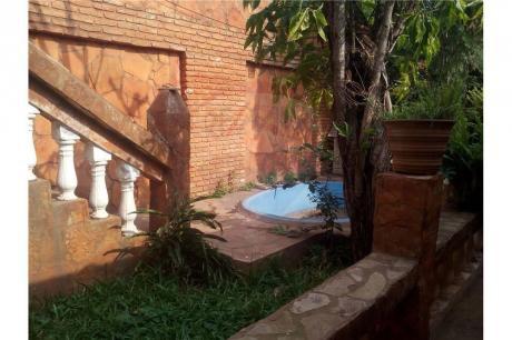 Vendo Casa Zona Ñemby- San Lorenzo (tipo Castillo)