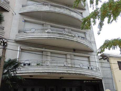 Sarmiento Y Patria. Balcon, De Estilo. Patio. Garage