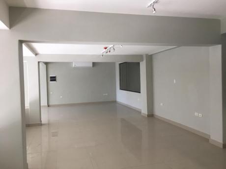 Alquilo Salon Comercial Zona Centrica