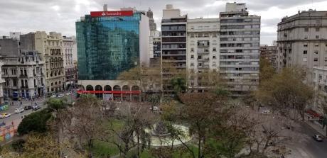 Frente A La Plaza Fabini, Inmejorable Ubicación, Precioso Monoambiente