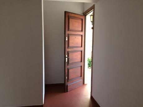 Casa En Ph Muy Luminosa, Ubicada En El Corazòn De Malvin
