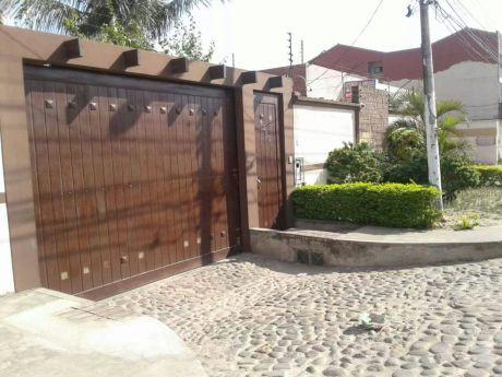 Amplia Y Comoda Casa En Esquina En La Doble Via A Cotoca