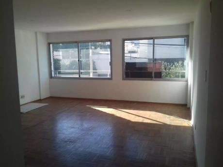 Dormitorios Con Terraza Y Vista Hacia El Mar!!!