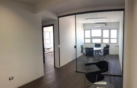Alquilo Oficina En Edificio Lider 4. Recepcion + 2 Oficinas + 1 Baño