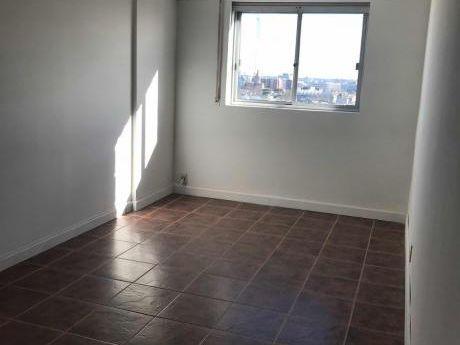 Apartamento En Paysandú Y Magallanes