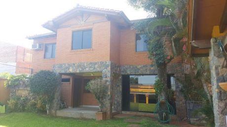 Amplia Casa De 6 Dormitorios - 3 Bloques Construidos 565 M2