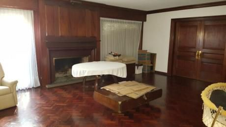Importante Residencia, Excelente Construcción, Categoría, Muy Bien Conservada