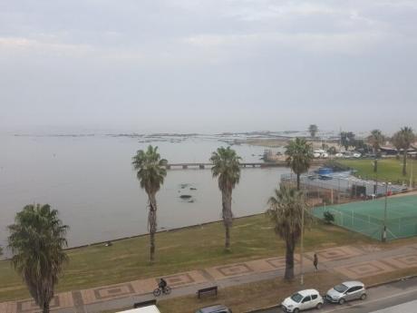 Rambla Y Terú, Frente Al Mar, A Metros Del Parque, Piso Alto, Amueblado