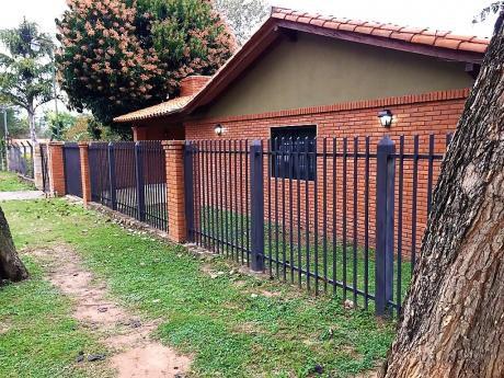 Vendo Casa De 3 Dormitorios En San Bernardino - Zona Copaco