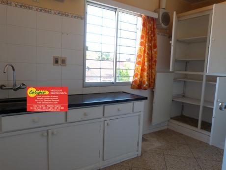 Casa De Altos -3 Dormitorios - 1 Baño - Alquiler Anual