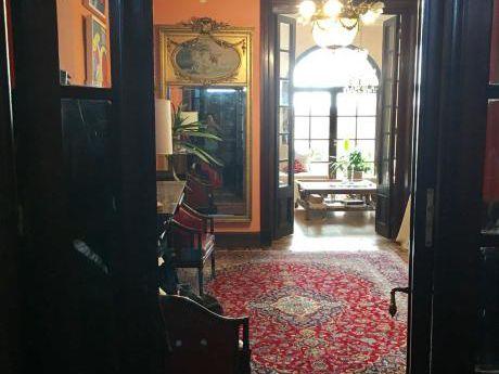 Alquiler Casa Con Gran Presencia En Parque Rodó