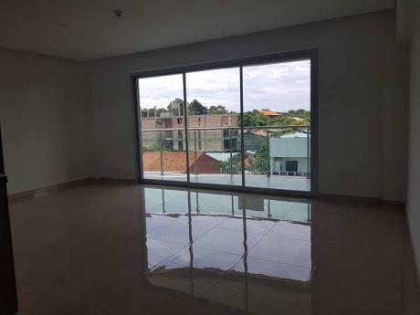 Departamento De Dos Dormitorios En Suite. Zona Santisima Trinidad