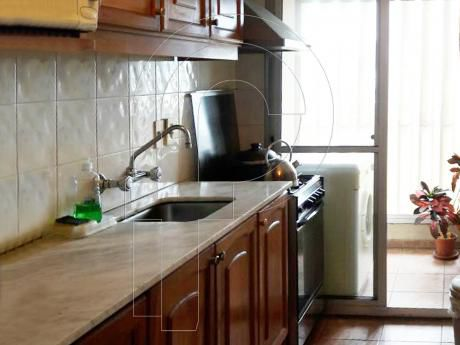 Impecable Apartamento - 2 Dormitorios / Piso Parquet