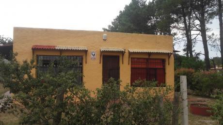 Pinamar, Proximo A Escuela